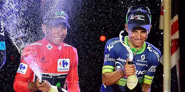 Celebración de los tres corredores de la Vuelta a España.