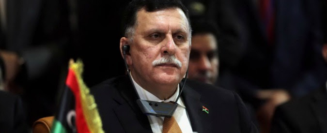 Libia, l'Occidente piazza il suo premier Al Serraj a Tripoli: la mossa per accelerare sull'intervento militare