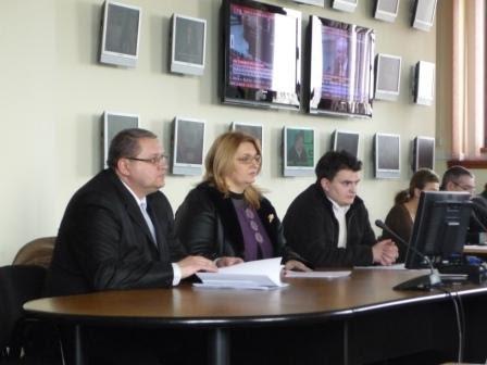 Familia Ignătescu vrea licenţă TV prin satelit