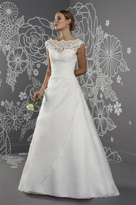 Emma Wedding Dress from Romantica   hitched.co.uk