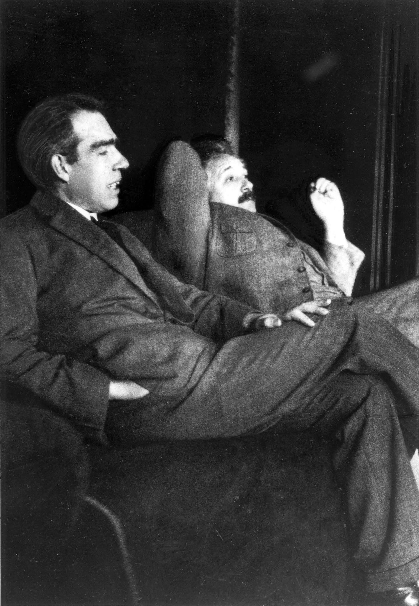 http://upload.wikimedia.org/wikipedia/commons/d/d5/Niels_Bohr_Albert_Einstein_by_Ehrenfest.jpg