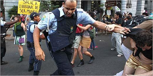 Marcha da Liberdade em Belo Horizonte tem conflito com Guarda Civil
