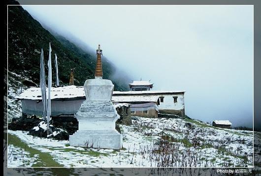 Gonga Shan - Gonga Si in snow