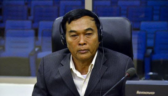 Yun Bin delivers his testimony to the Extraordinary Chambers in the Courts of Cambodia yesterday. ECCC
