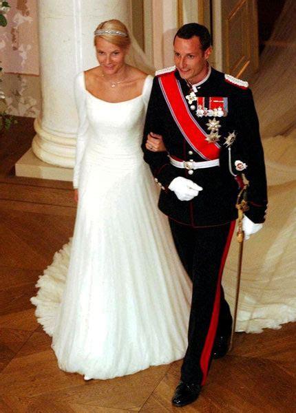 The Royal Order of Sartorial Splendor: Readers' Top 10