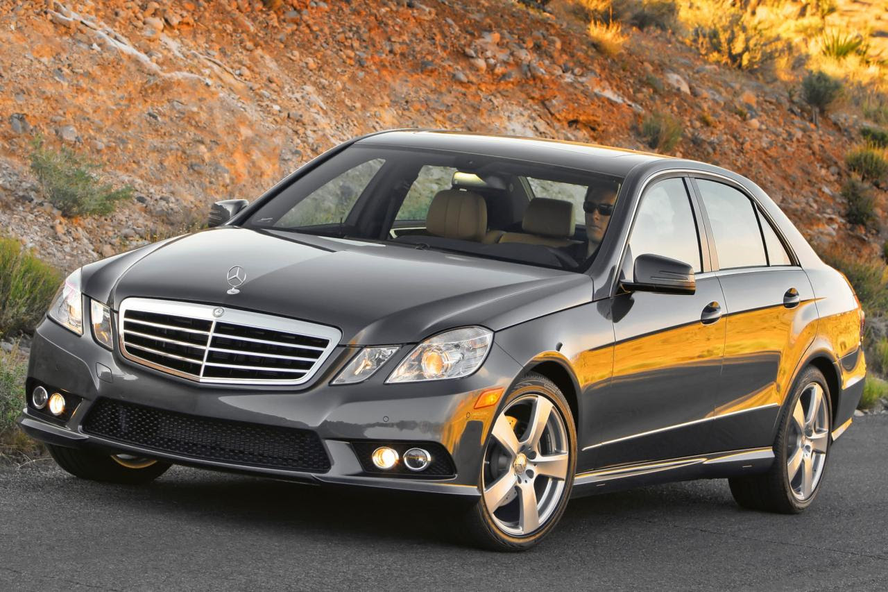 2010 Mercedes-Benz E-Class - Information and photos - Zomb ...