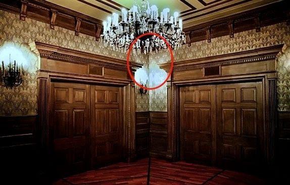 Haunted Mansion Holiday Foyer Music : Long forgotten the gargoyles
