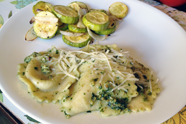 chicken and cheese ravioli with pesto