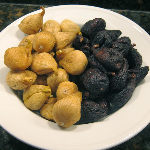 8 pounds of dried figs