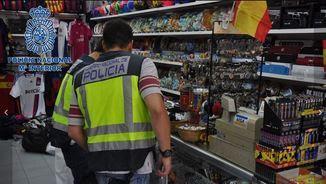 Operació policial contra un grup organitzat que es dedicava a la fabricació i venda de productes falsificats