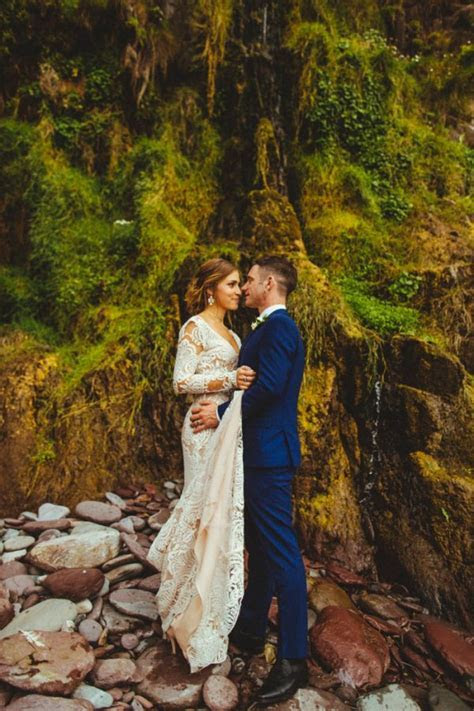 Earthy Irish Wedding at Ballintaggart House   Junebug Weddings