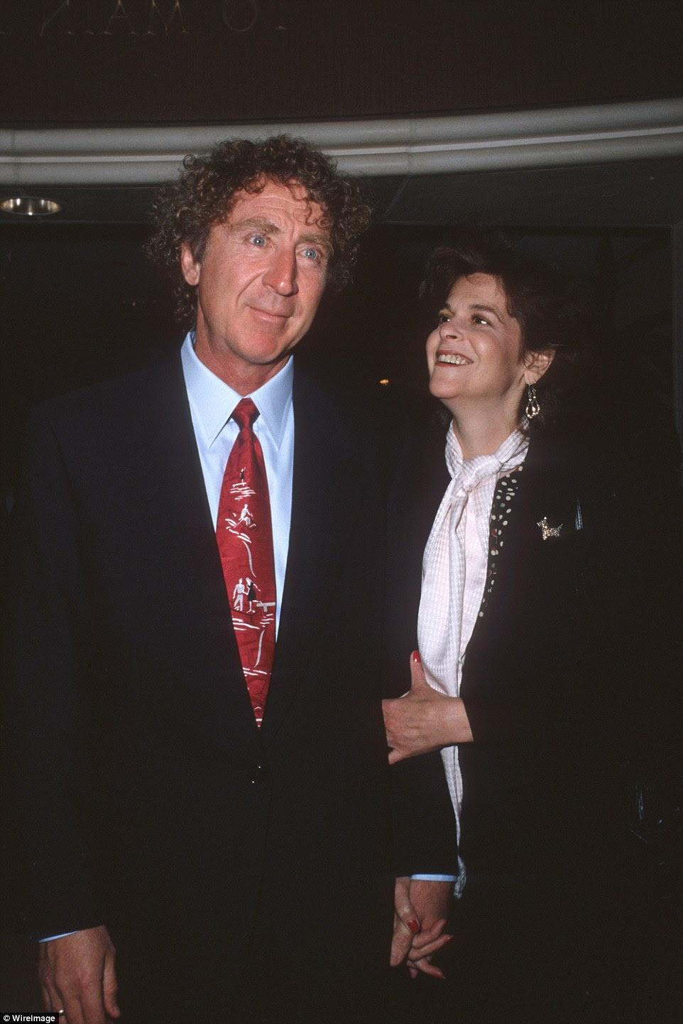 primeiros dois casamentos de Wilder acabou em divórcio.  Em 1984, casou-se Saturday Night Live comediante Gilda Radner (foto juntos acima), que morreu cinco anos depois, de câncer.  Ele deixa sua quarta esposa, Boyer, com quem se casou em 1991