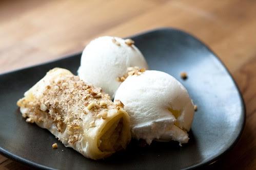 Baklavasigarid jäätisega