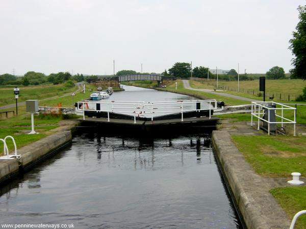 Kings Road Lock, Aire and Calder Navigation