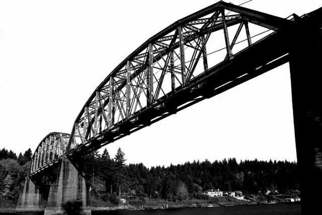 lake oswego railroad bridge.xbm