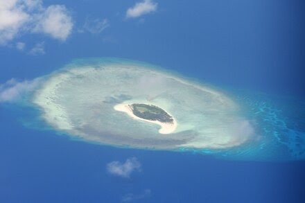 TREND ESSENCE:China Fires Missiles Into South China Sea, Sending U.S. a Message