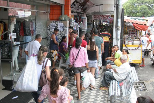 Projeção de vendas faz lojas e supermercados abrirem novas vagas