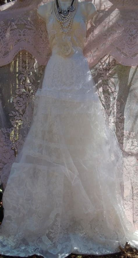 Lace White Ivory Wedding Dress Tulle Tiered Vintage Bride