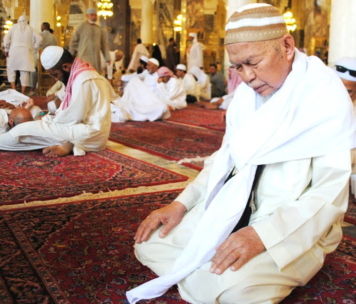 Puisi Tuan Guru Nik Aziz