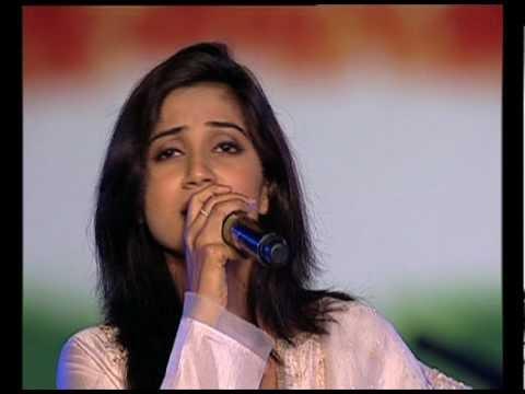 "Shreya Ghosal ""Ekla Cholo Re"""