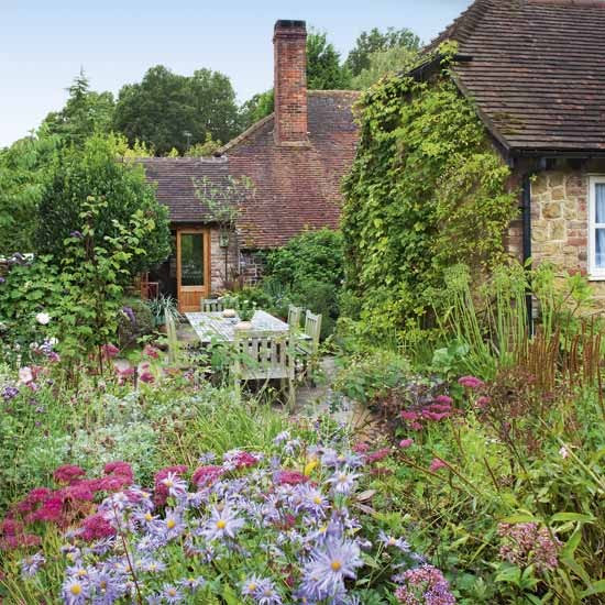 Country garden and patio | Garden designs | Image | Housetohome.co.uk