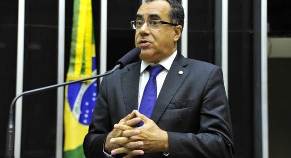 De dia deputado, de noite presidiário, Celso Jacob votará pela rejeição da denúncia contra Temer.