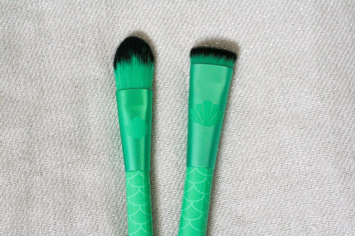 Makeup brushes disney