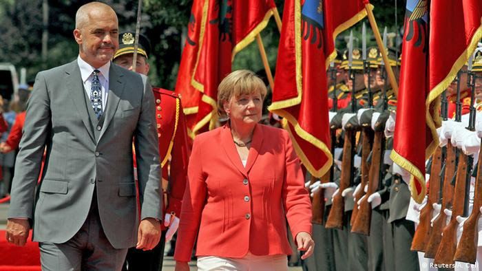 Angela Merkel y Edi Rama en Tirana.