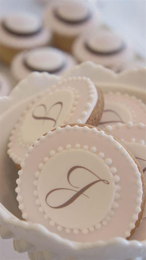 Best 25  Monogram cookies ideas on Pinterest   Bird