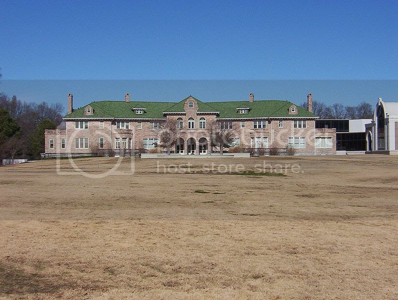 Pink Palace in Memphis TN