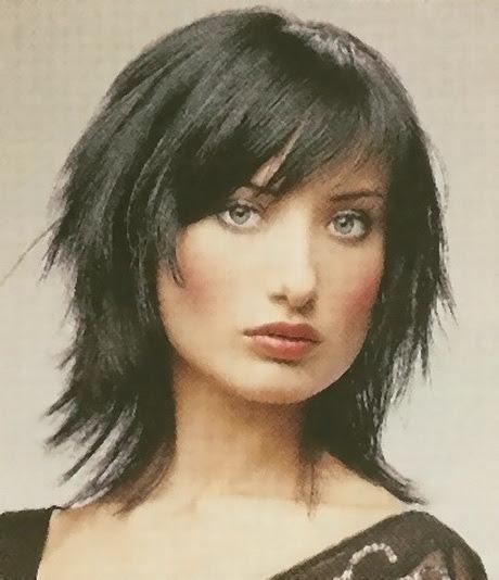 Popular Inspiration 32 Choppy Hairstyles With Bangs Medium Length