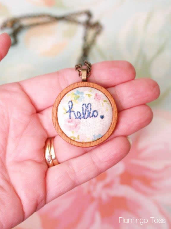 diy hello necklace