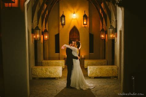 chapel dulcinea wedding photos   night time wedding