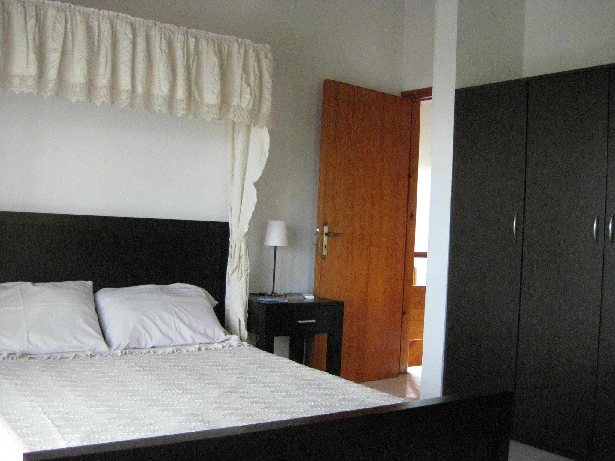 Price Aria Holiday House