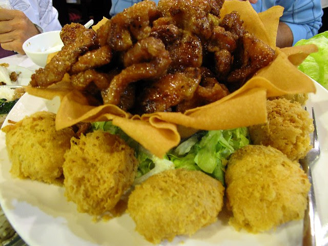 Deep Fried Stuffed Bean Curd and Honey Garlic Pork 琵琶豆腐拼蒜子蜜汁肉扒 6