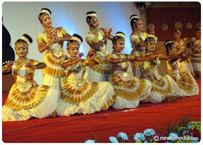 Mohiniyattam by Kerala Kalamandalam - IFFK Closing Ceremony 2007