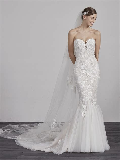 Sweetheart Neck Lace Applique Mermaid Wedding Dress