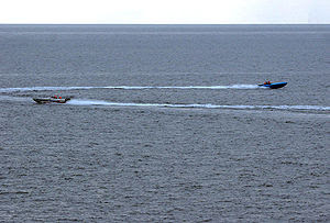 300px-Iranian_boats_threaten_USS_Port_Royal