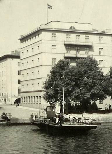 http://www.turkusteamers.com/paikallisliikenne/ylinen_fori/YFori_1930-1940_Olin_L.jpg