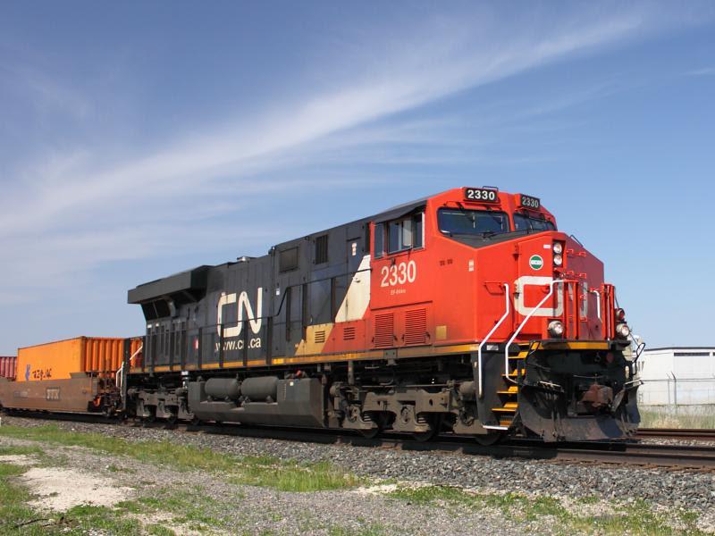CN 2330 in Winnipeg