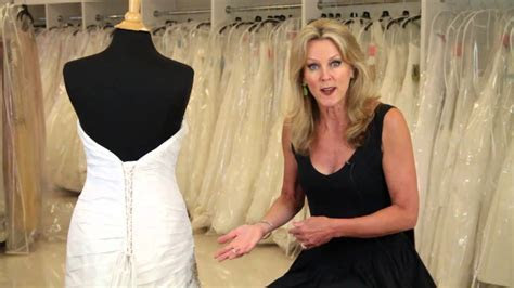 How to Put a Corset Back in a Wedding Dress : Wedding