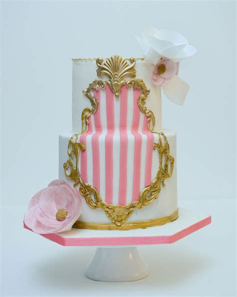 Baroque frame wedding cake Custom made gold baroque frame