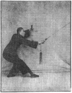 《昆吾劍譜》 李凌霄 (1935) - posture 2