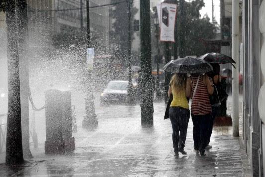 Βροχές, καταιγίδες και... 30άρια σήμερα - Δείτε τον καιρό του Αγίου Πνεύματος