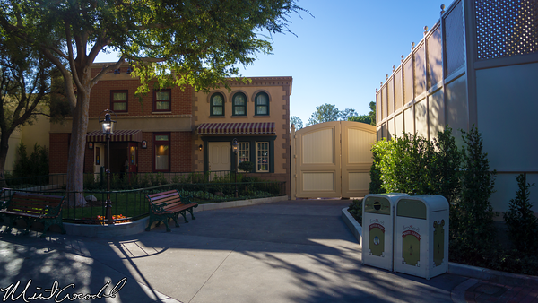 Disneyland Resort, Disneyland, Main Street U.S.A., First Aid, Corridor
