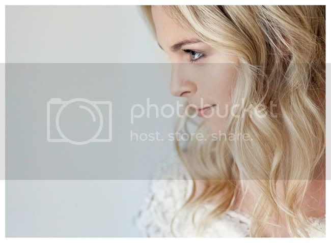 http://i892.photobucket.com/albums/ac125/lovemademedoit/vintage_chic_wedding006.jpg?t=1288713739