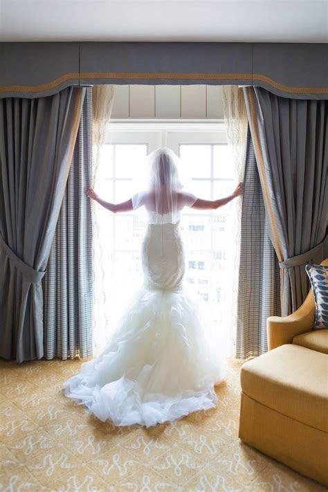 Classy Missouri Wedding at The Caramel Room   MODwedding