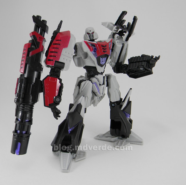 Transformer Cybertronian Megatron Generations Deluxe - modo robot