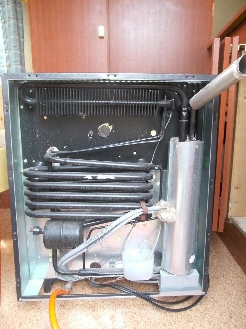 wohnwagen funktioniert gas k hlschrank nicht mit joan. Black Bedroom Furniture Sets. Home Design Ideas
