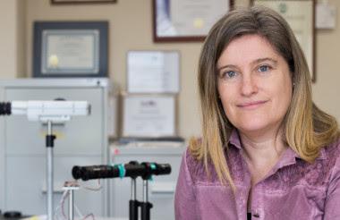 <p>Susana Marcos ha obtenido 150.000 euros del Consejo Europeo de Investigación para lanzar al mercado su sistema óptico que simula la visión para pacientes con problemas para enfocar. Imagen: CSIC.</p>